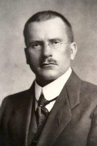 Comparaison des tests de personnalité MBTI et DISC issus des travaux de Carl Jung